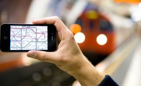 喜大普奔!伦敦地铁明年终于有4G了!空调什么时候能提上日程?