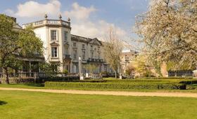 英国大学之罗汉普顿大学 舞蹈类专业全英闻名,伦敦唯一的公园式大学,来看看?